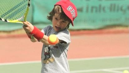 дети и большой теннис