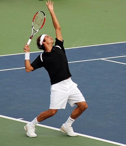 подача в теннисе